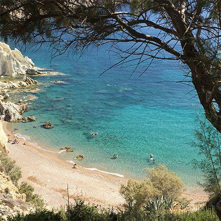 Τα Βρουλίδια βρίσκονται στην Νότια Χίο πολύ κοντά στην παραλία της Αγίας Δύναμης και στην Αυλωνιά
