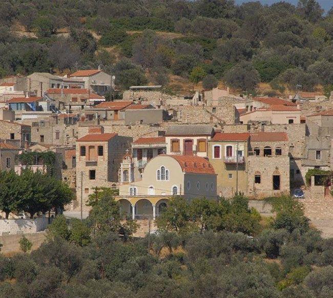 Τα Πατρικά είναι ένα από τα παλαιότερα μεσαιωνικά χωριά
