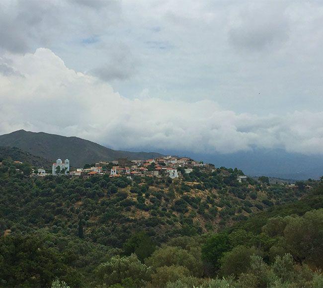 Το μικρό χωριό Πιραμά