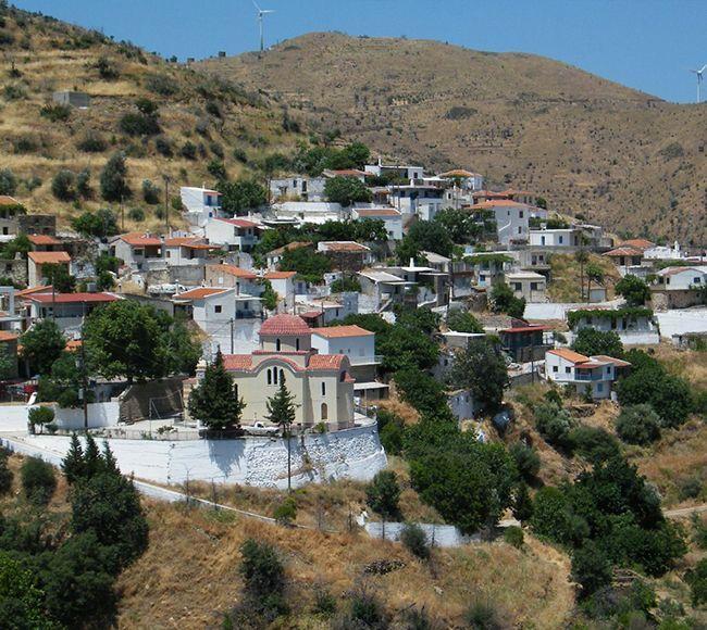 Η Πισπιλούντα είναι ορεινό  χωριό στην Βόρεια Χίο